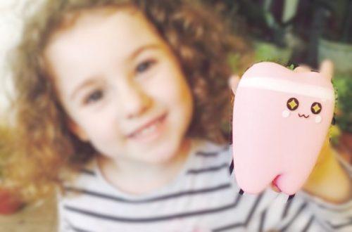 curare i denti da latte: sorriso di bambina
